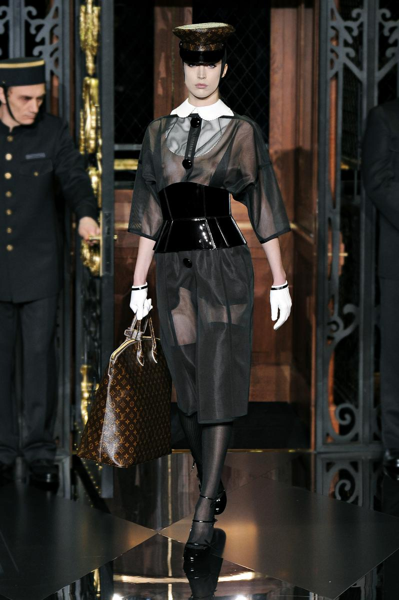 louis vuitton a/w 2011: take your front row seat | les blogs